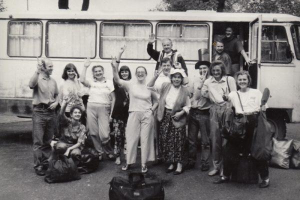 Su vaikišku spektakliu vykstame į Lietuviškos gimnazijos atidarymą Maskvoje. 1991 m.