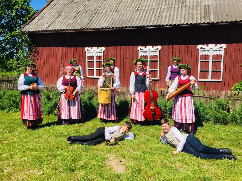 2020-05-31 Pavasario išleistuvės, vasaros sutiktuvės šiemet šurmuliavo Norkaičiuose!