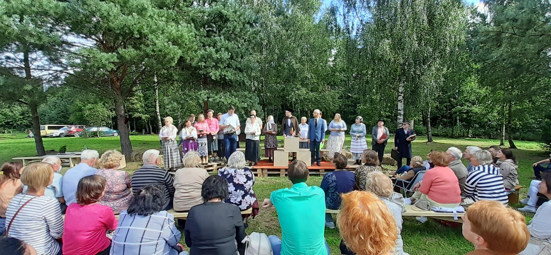 2020-08-30 Tauragės liaudies teatras jubiliejų minėjo spektakliu,muzika ir poezija