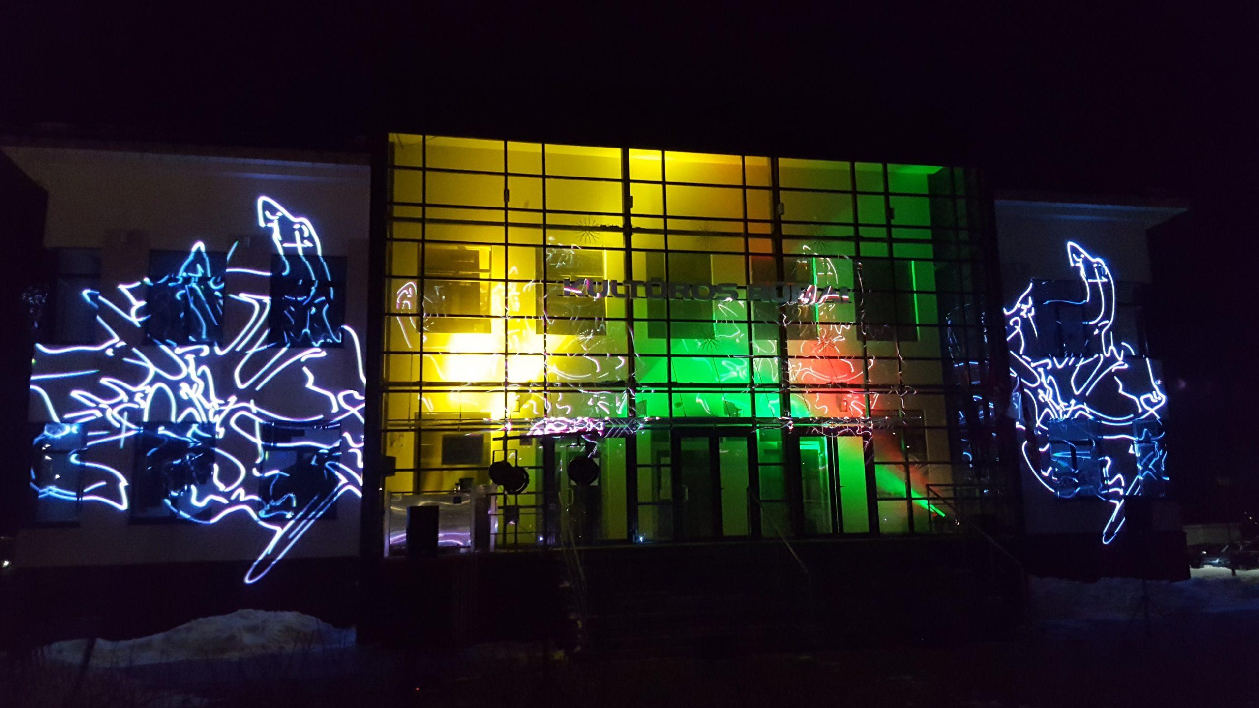 2021-02-16 Tauragės kultūros centras šventiškai minėjo Lietuvos Valstybės atkūrimo dieną