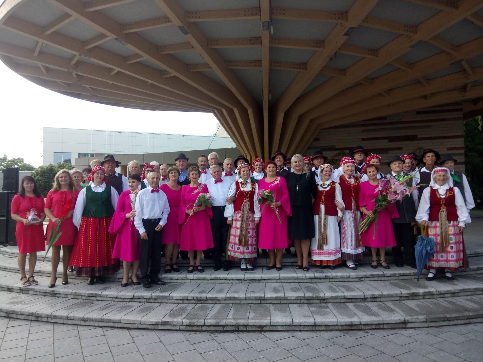 """2021-08-23 Turiningas Tauragės kultūros centro šokių kolektyvo """"Vėjava"""" savaitgalis Joniškyje"""